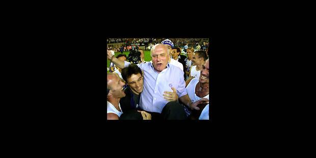 Football: Anthuenis: '' Il faut encore un attaquant '' - La DH