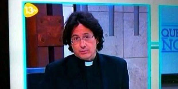 Un curé espagnol, incroyable sosie de François Hollande - La DH