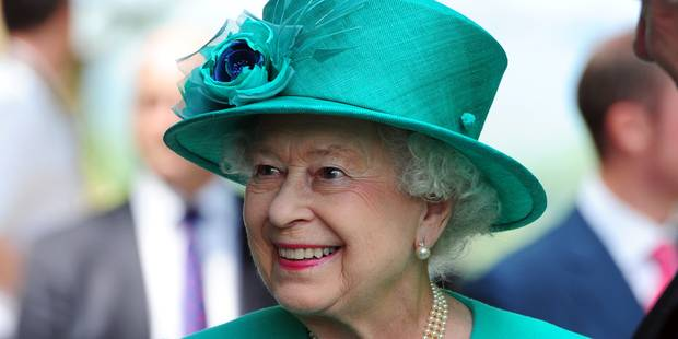 La reine Elizabeth II attend avec impatience le bébé royal, pour partir en vacances - La DH