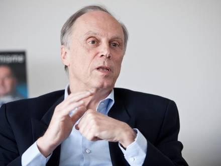 Vincent Reuter , administrateur délégué de l'Union wallonne des Entreprises ( UWE )