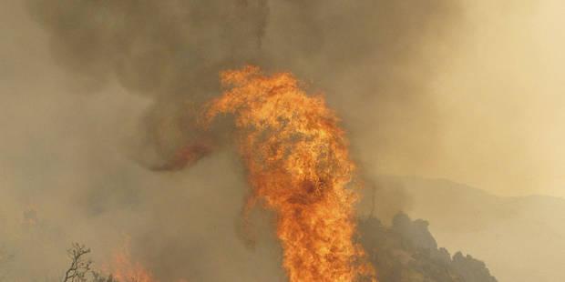 Incendie dans une ancienne entreprise à Mouscron - La DH