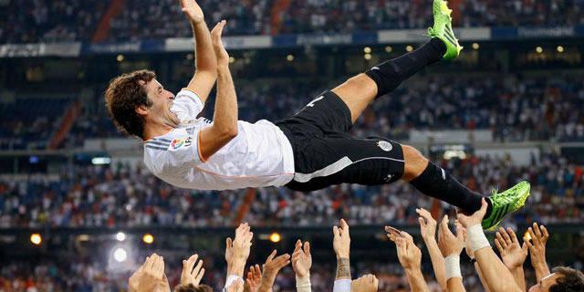 Le Real Madrid retrouve et fête Raul le temps d'une soirée