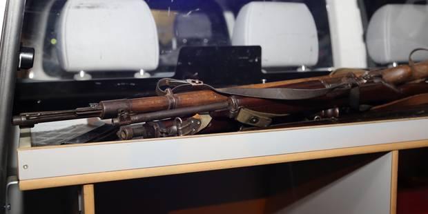 Des obus et des armes chez lui - La DH