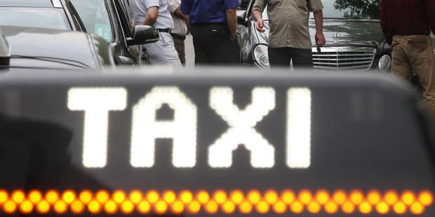 peine de travail pour un chauffeur de taxi qui d pouillait ses clients la dh. Black Bedroom Furniture Sets. Home Design Ideas