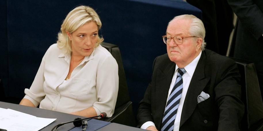 """34% des Français se sentent """"proches des idées"""" de l'extrême droite"""