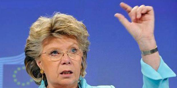 Posez vos questions à Viviane Reding