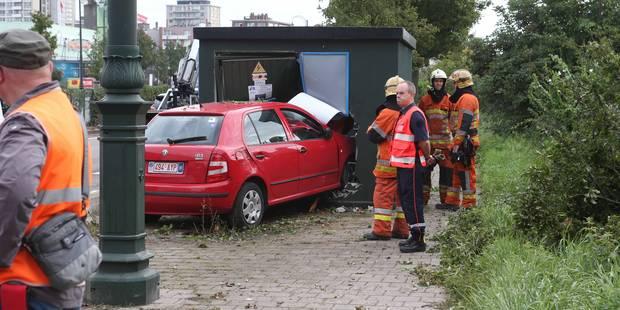 Un conducteur s'emplafonne dans une cabine haute tension de 11.000 volts - La DH
