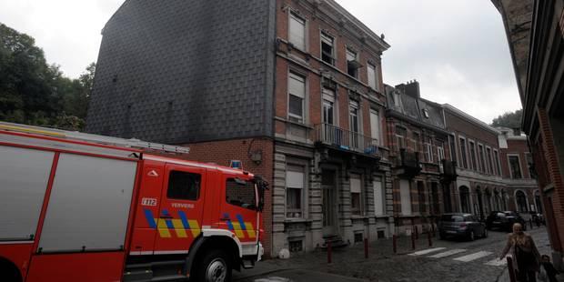 L'incendie dans l'ancienne caserne à Liège a été maîtrisé - La DH
