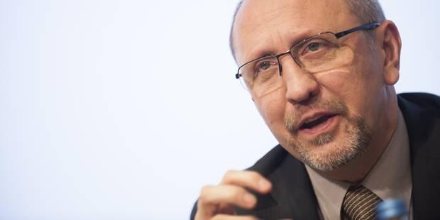 Télécoms: Vande Lanotte fait appel aux communes pour faire baisser la facture - La DH