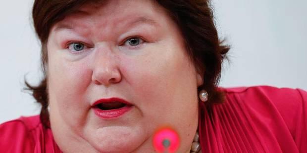 Maggie De Block s'attaque aux reconnaissances frauduleuses de paternité - La DH