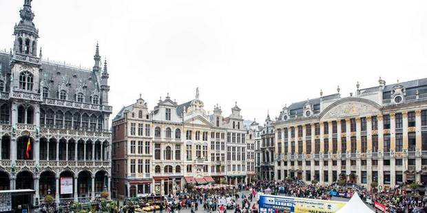 Ecran g ant grand place de bruxelles les bracelets - Office de tourisme bruxelles grand place ...
