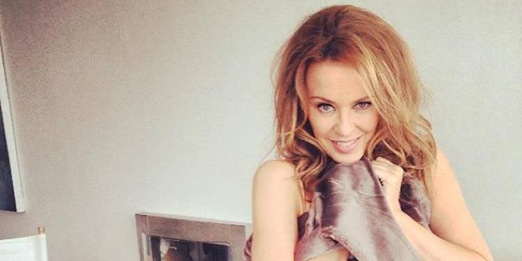 Kylie Minogue est célibataire