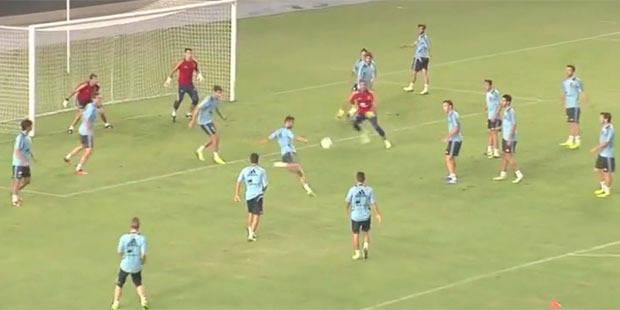 18 joueurs contre 3 gardiens, l'entrainement original de la Rojita - La DH