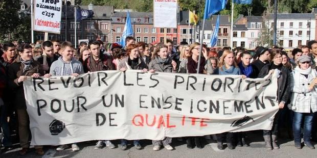 350 �tudiants dans la rue