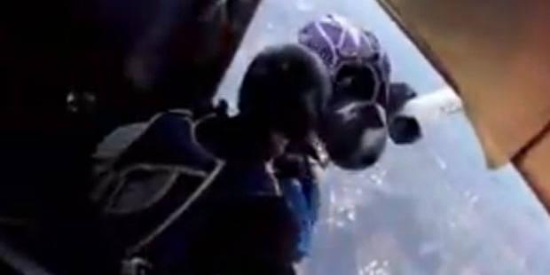 Miraculés, des parachutistes survivent à une collision entre deux avions - La DH