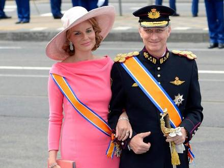 20130430 - AMSTERDAM, NETHERLANDS: Princess Mathilde of Belgium and Prince Philippe of Belgium arrive for the investiture of Prince Willem Alexander as King, Tuesday 30 April 2013, at Nieuwe Kerk (New Church) in Amsterdam, The Netherlands. Dutch Queen Beatrix, who ruled the Netherlands for 33 years, announced on 28,January 2013 her abdication from the throne in favour of her son, Prince Willem-Alexander. BELGA PHOTO DIRK WAEM