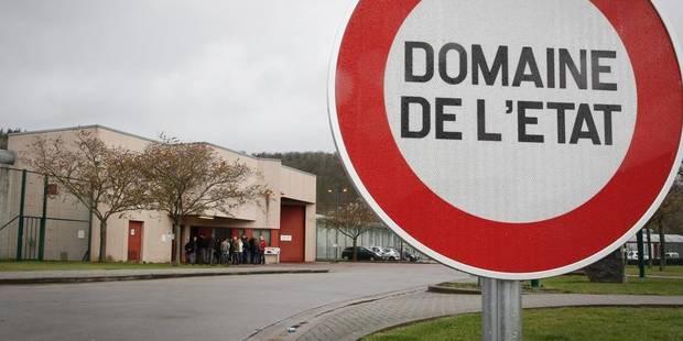 Un détenu transféré après avoir agressé deux agents à la prison d'Andenne - La DH