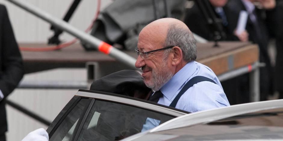 Vie privée: les explications de Louis Michel ne convainquent pas