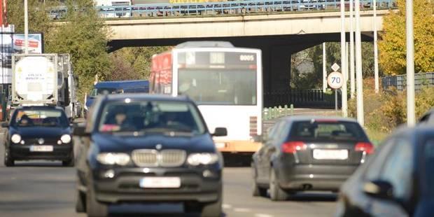 Près de dix mille personnes surprises au volant sans permis de conduire en 2012 - La DH