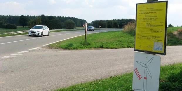 Eoliennes : les panneaux d'affichage vandalisés - La DH