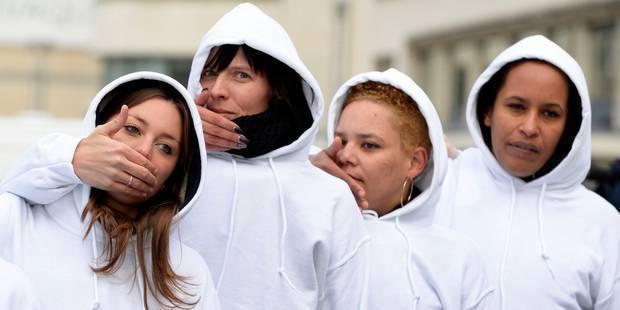 Des femmes en blanc marchent dans Bruxelles pour dénoncer les viols - La DH