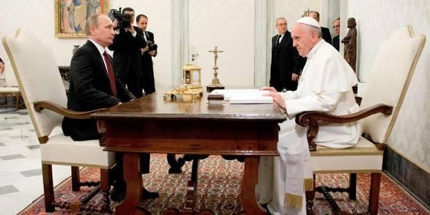 Le président Poutine reçu par le pape François - La DH