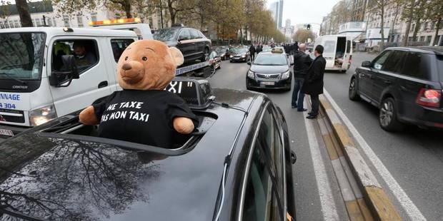 La manifestation des taxis se prolonge à la gare du midi - La DH