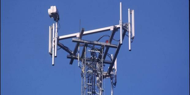 Taxe sur les antennes GSM: menaces de coupures sur le réseau wallon - La DH