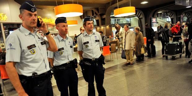 Sécurité dans les transports bruxellois: les 400 nouveaux agents opérationnels - La DH