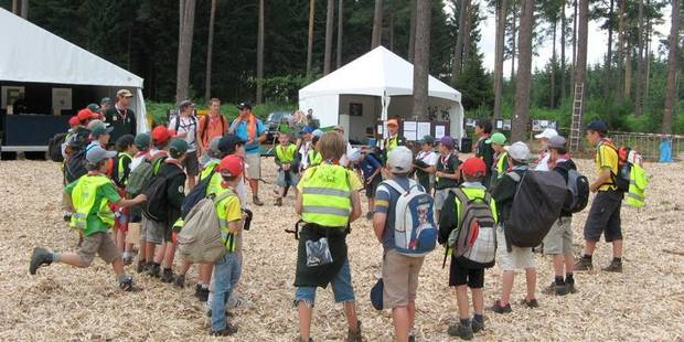 Camp de jeunes sur la sellette