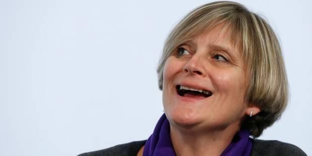 Sabine Laruelle lance les embauches groupées - La DH