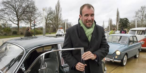 Wathelet présente une série de mesures censées doper les voitures électriques et au gaz - La DH