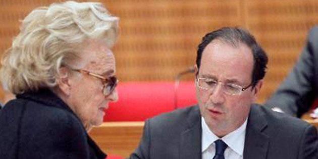 """Bernadette Chirac: """"Je pense à Valérie Trierweiler"""""""