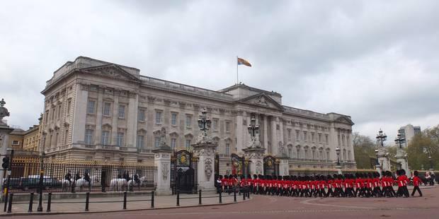 Palais de Buckingham cherche ouvreur de robinet et dorloteur d'invités - La DH