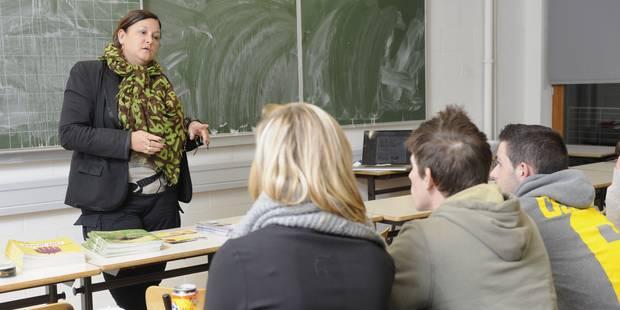 Plus de 2.400 emplois vacants dans les écoles de la Fédération Wallonie-Bruxelles - La DH