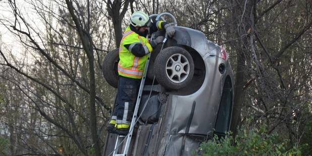 Spectaculaire accident le long de la E42 � Froyennes