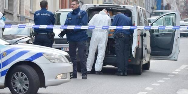 Schaerbeek: 3 individus armés braquent un café - La DH