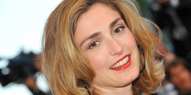 """Julie Gayet porte plainte pour """"mise en danger"""" - La DH"""