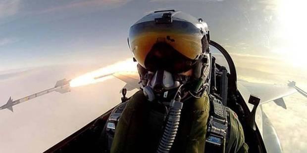 Un pilote de chasse danois tire un missile et prend un selfie ! - La DH