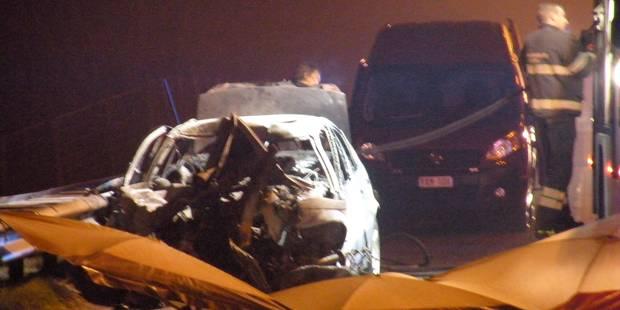 Une voiture percute un camion et prend feu: sept morts sur la E314 - La DH