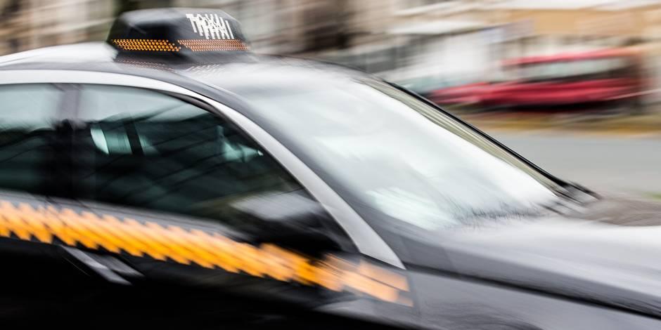 Le taximan portait seulement un préservatif - La DH