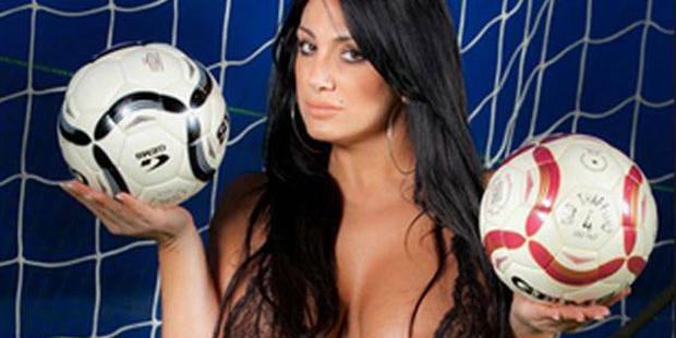 Une animatrice télé se dénude pour célébrer la victoire de Naples - La DH