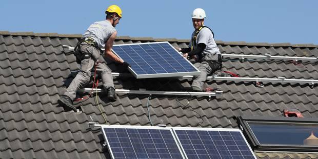 Les détenteurs de panneaux photovoltaïques vont-ils devoir encore passer à la caisse? - La DH