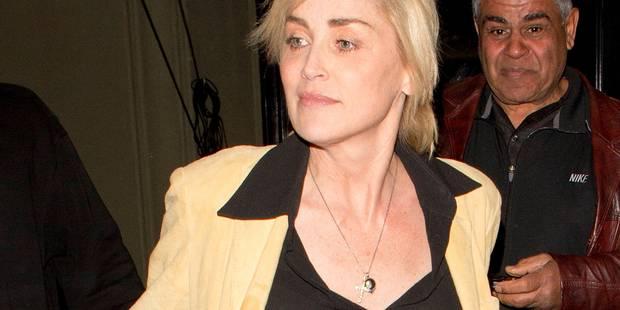 Sharon Stone sort sans soutien-gorge - La DH