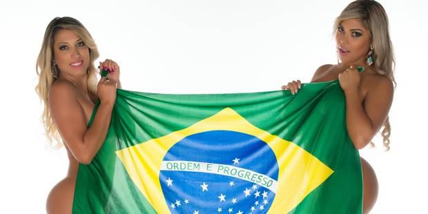 Quand deux candidates à Miss Butt Brazil s'amusent avec des vignettes Panini... - La DH
