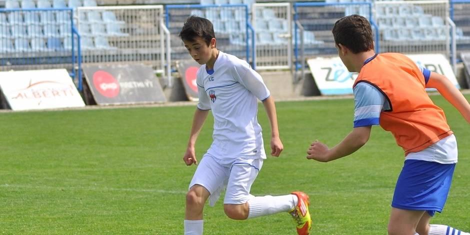 Le Messi du Kosovo au Standard?