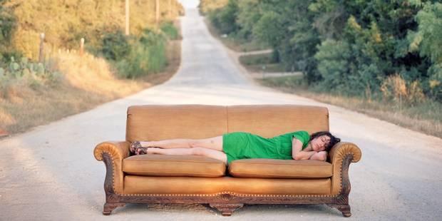 Le couchsurfing dans le collimateur des autorités - La DH