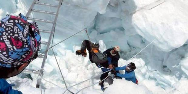 Avalanche sur l'Everest: arrêt des recherches - La DH