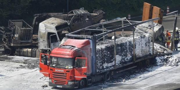 Camions en feu sur l'E40: la négligence d'un des chauffeurs mise en cause - La DH