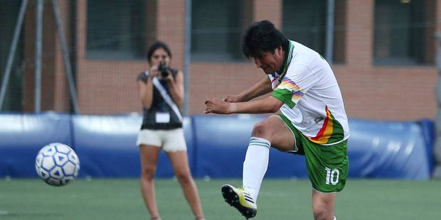 Evo Morales signe dans une équipe pro de foot - La DH